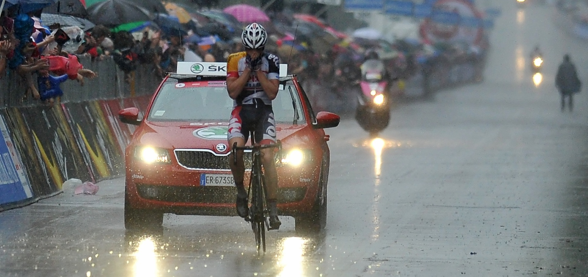 Wet and WildHansen wins his first stage in a Grand Tour