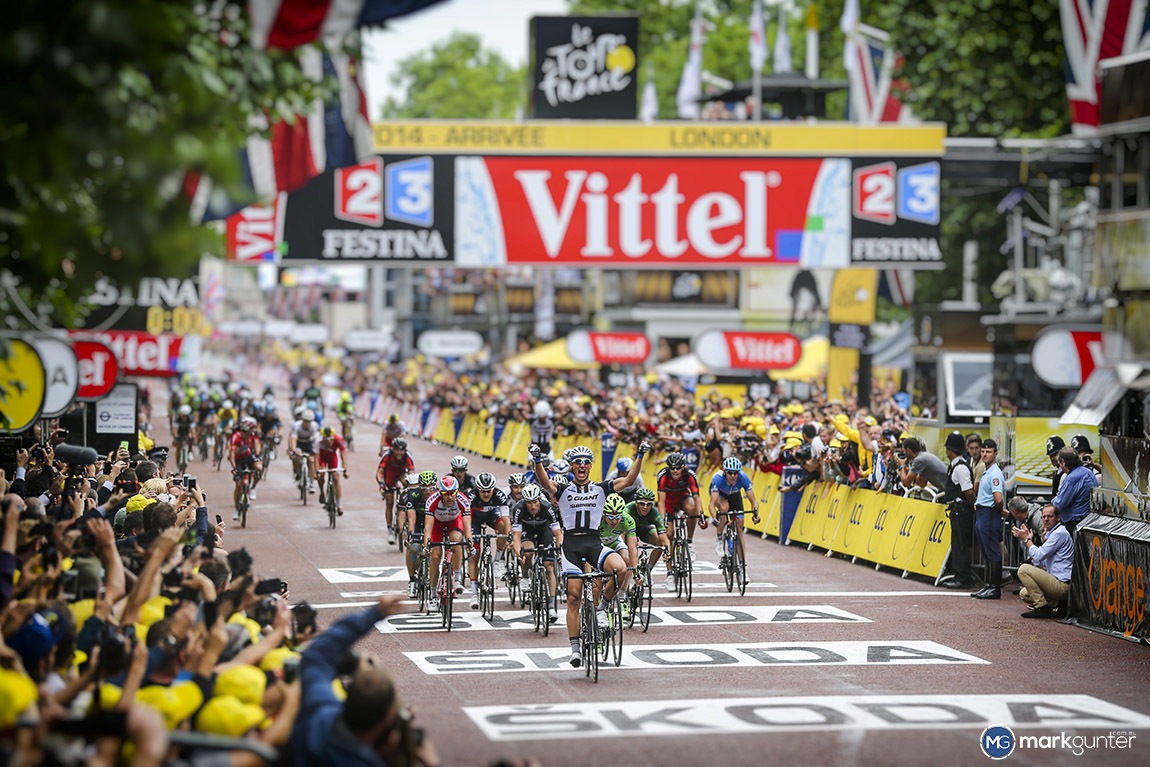 Marcel Kittel dominates as he wins stage 3 of the 2014 Tour de France on the Mall in London.