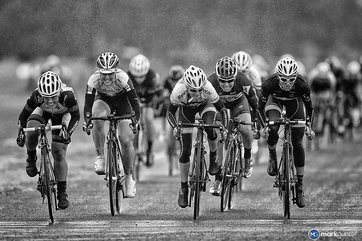 On a wet day at the King Valley the Women sprint for the win at this year's Sam Miranda Tour of the King Valley.