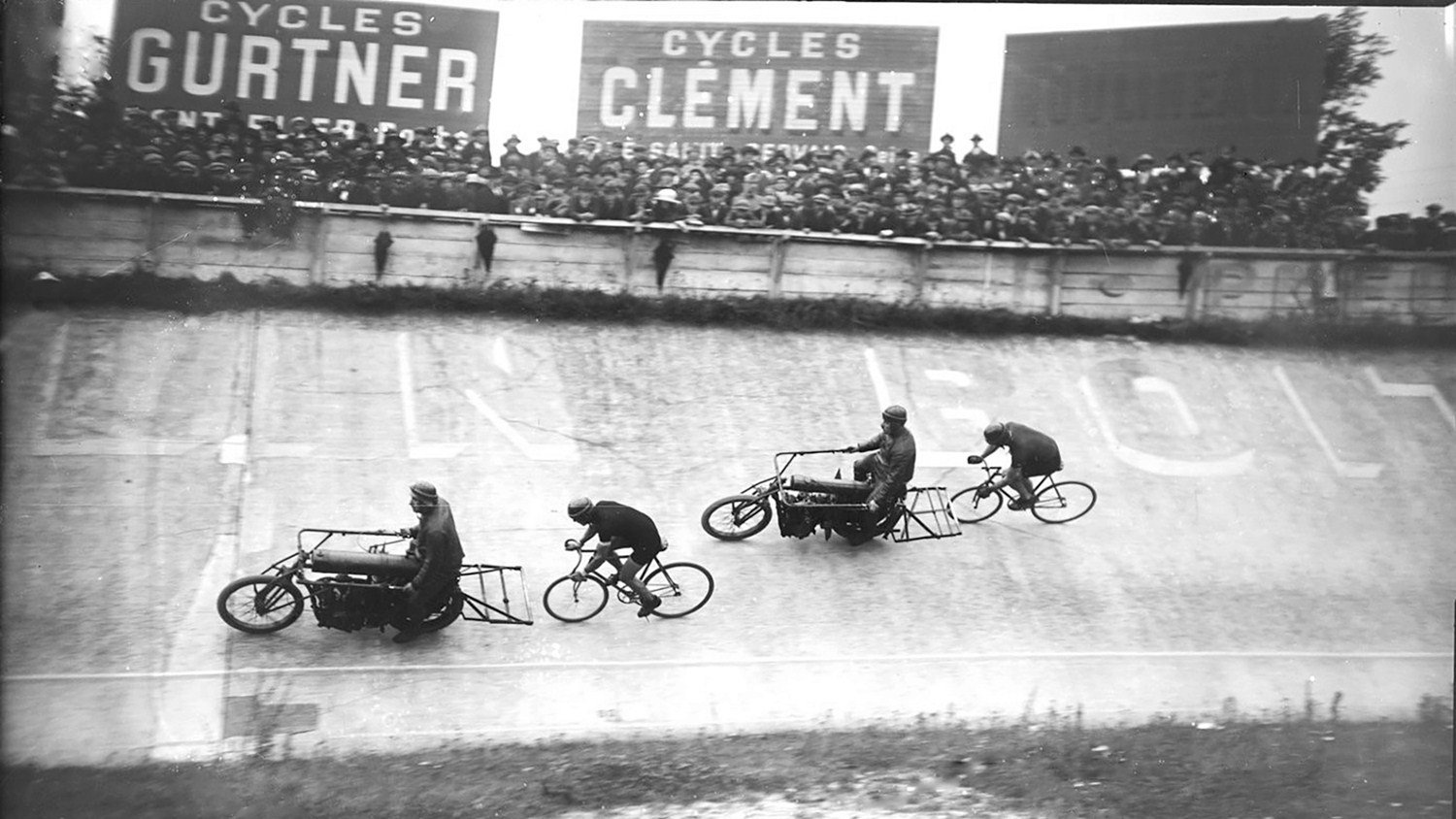 1922 UCI Track Cycling World Championships – Paris, France – 100km behind derny © Bibliothèque nationale de France / Agence Rol