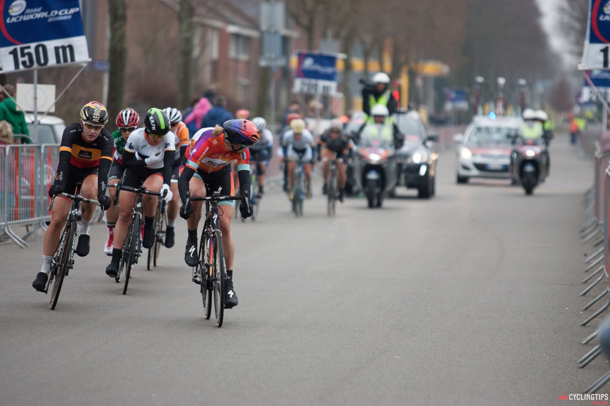 Ellen van Dijk (Boels-Dolmans) sits at the front of the chase group, just a handful of seconds behind the four leaders.