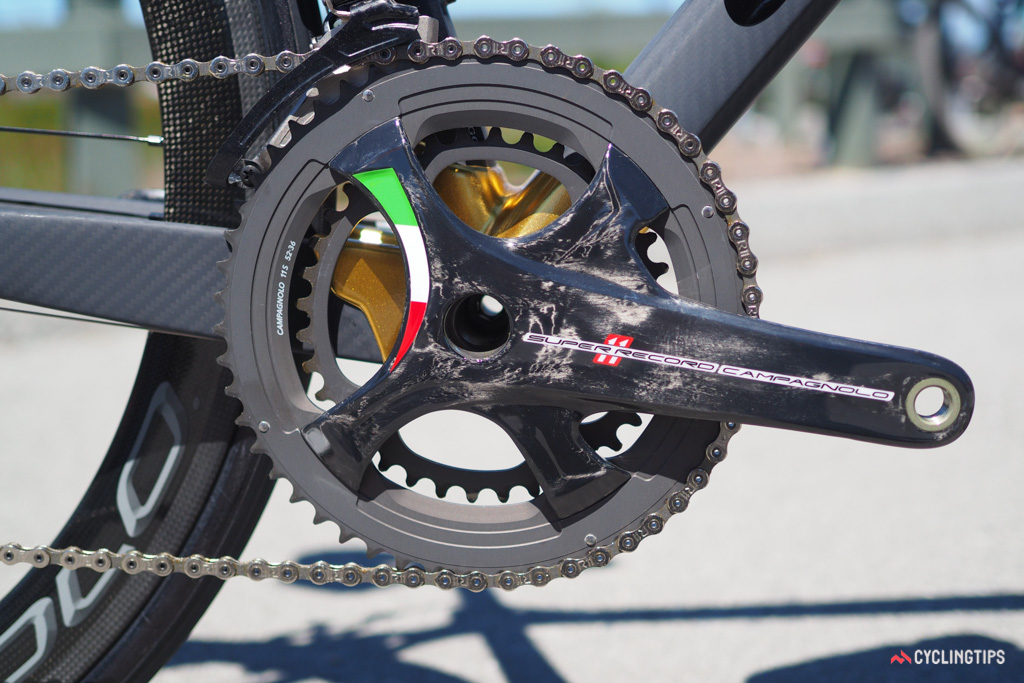 The tricolore theme is carried through to the Campagnolo Super Record componentry as well.