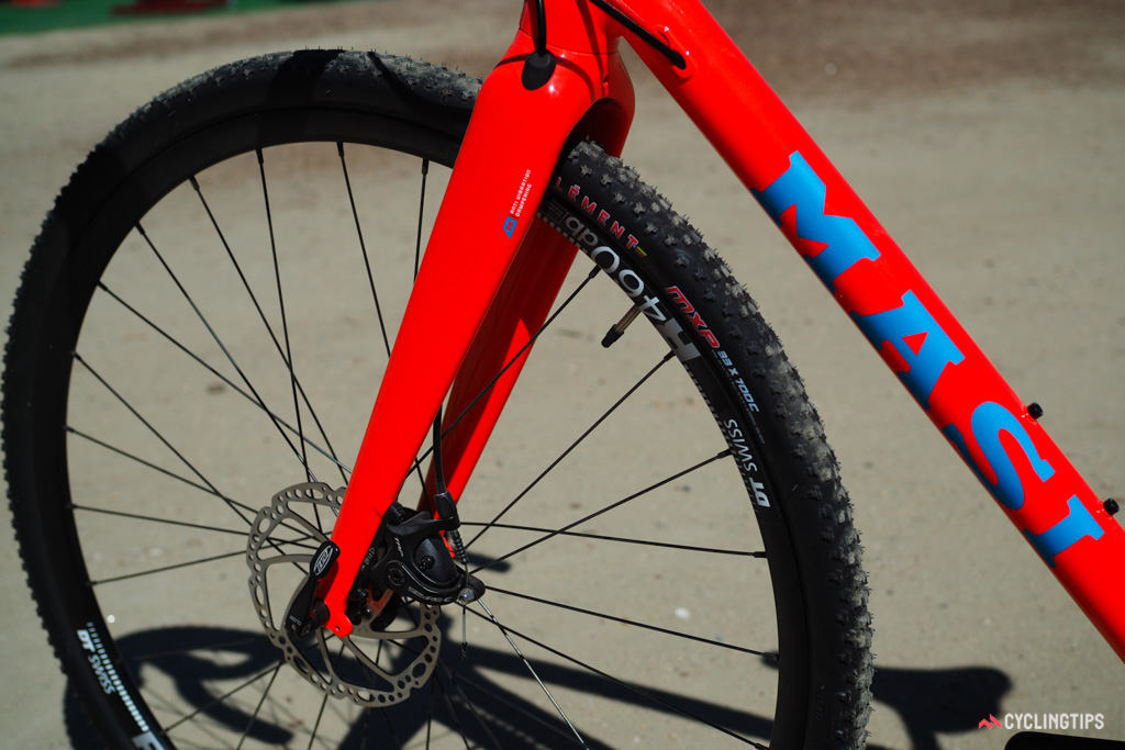 The wide-set fork can easily swallow tyres bigger than the stock 33mm Clements.