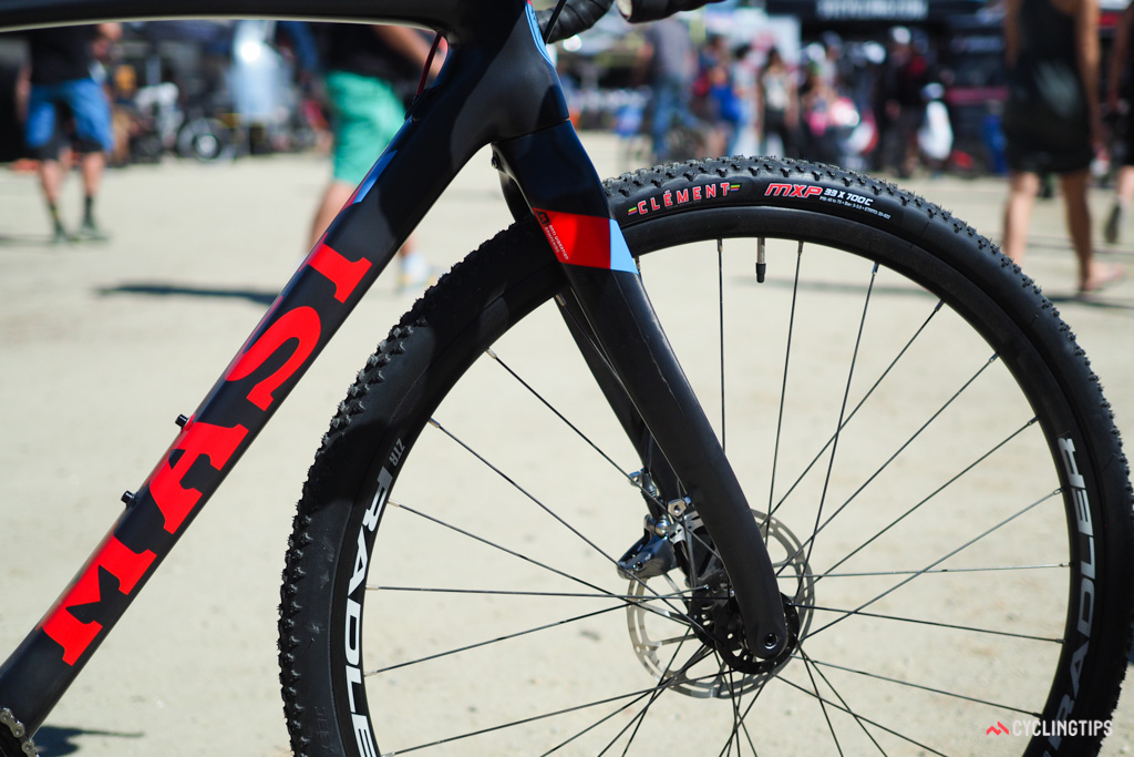 Masi product manager James Winchester claims the S-bend fork blades attenuate vibration better than a straight-legged fork.