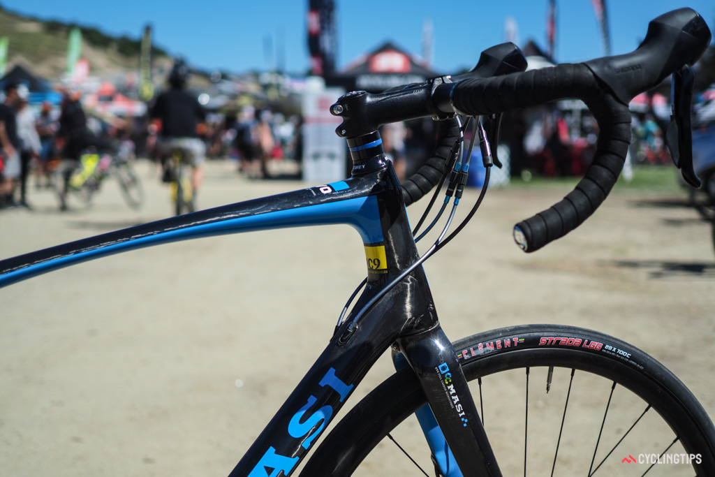 In keeping with the segment, the Masi Vivo's head tube is slightly extended for a more upright riding position.