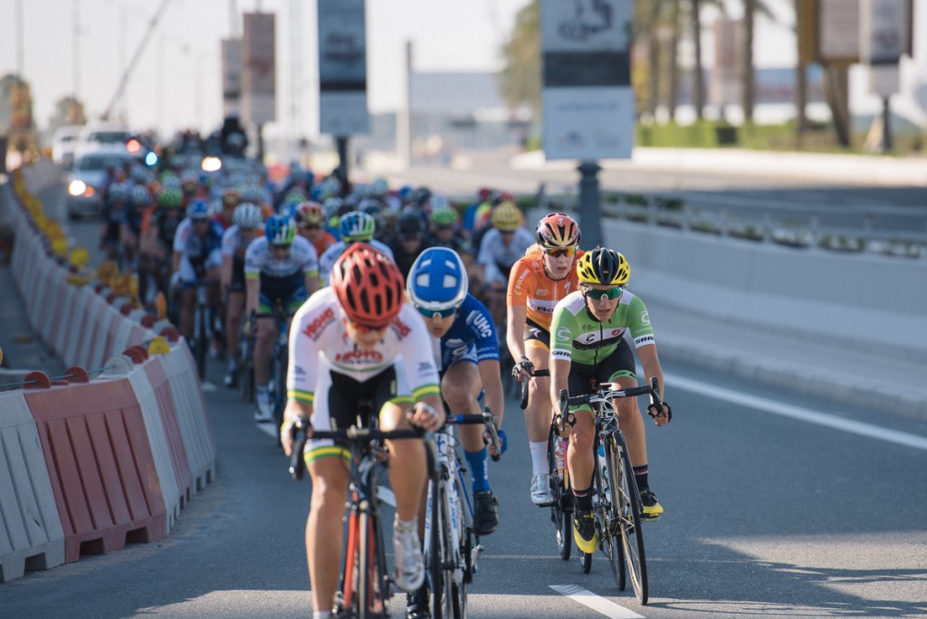 Attacks in the final part of the race, with Valentina Scandolara and Demi de Jong.