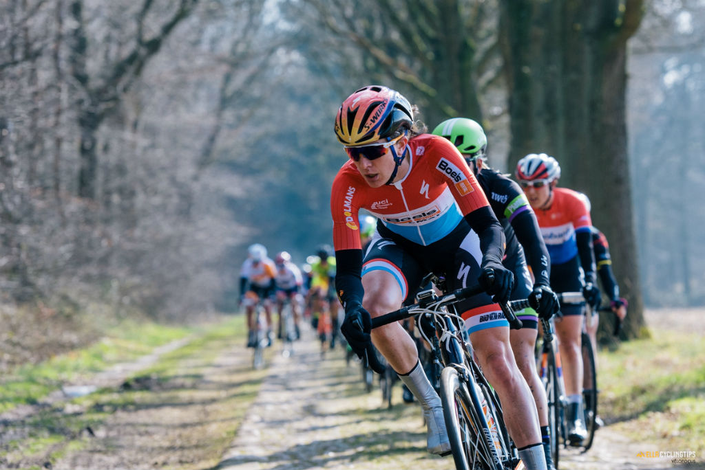 A familiar sight: Christine Majerus (Boels-Dolmans) with her head in the wind. Here she leads the peloton on the Dalakersweg in the WWT Ronde van Drenthe.