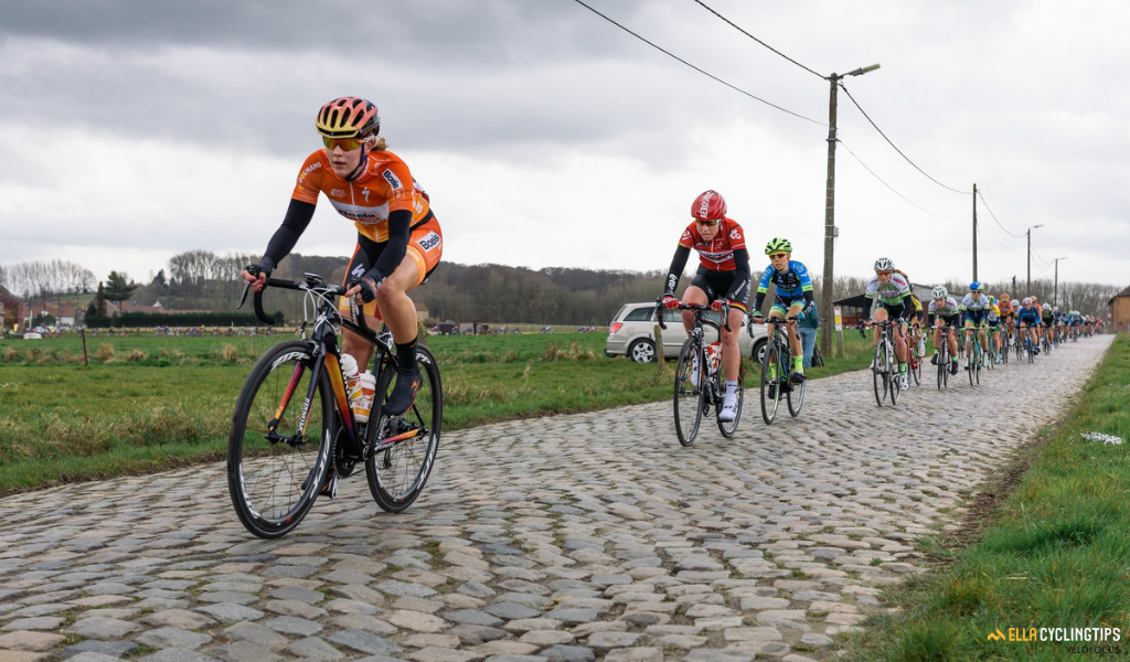 Demi de Jong speeds across the cobbles on the outskirts of Gooik in the 2016 Pajot Hills Classic.