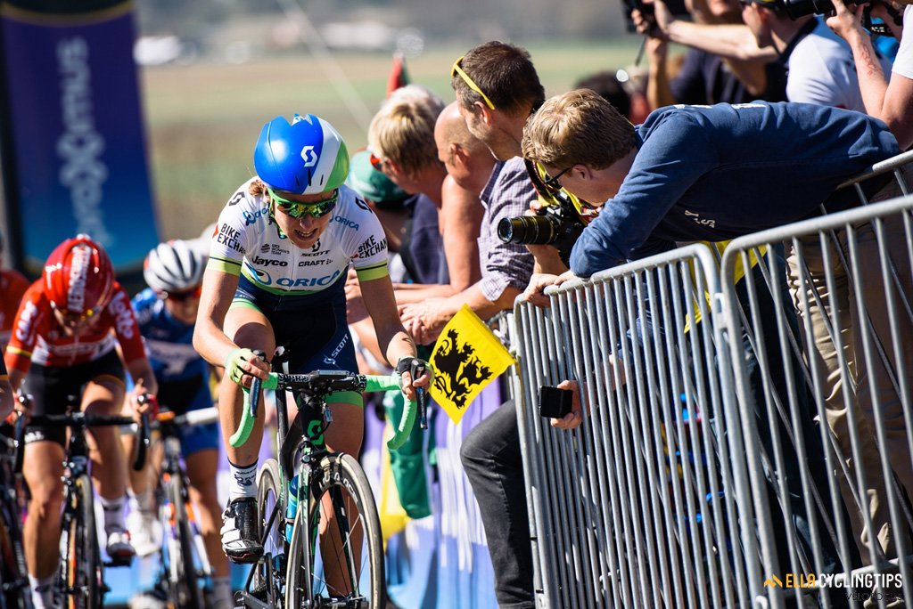 Annemiek van Vleuten (Orica-AIS) leads the chase of Emma Johansson and Lizzie Armitstead in Flanders on the Oude Kwaremont.