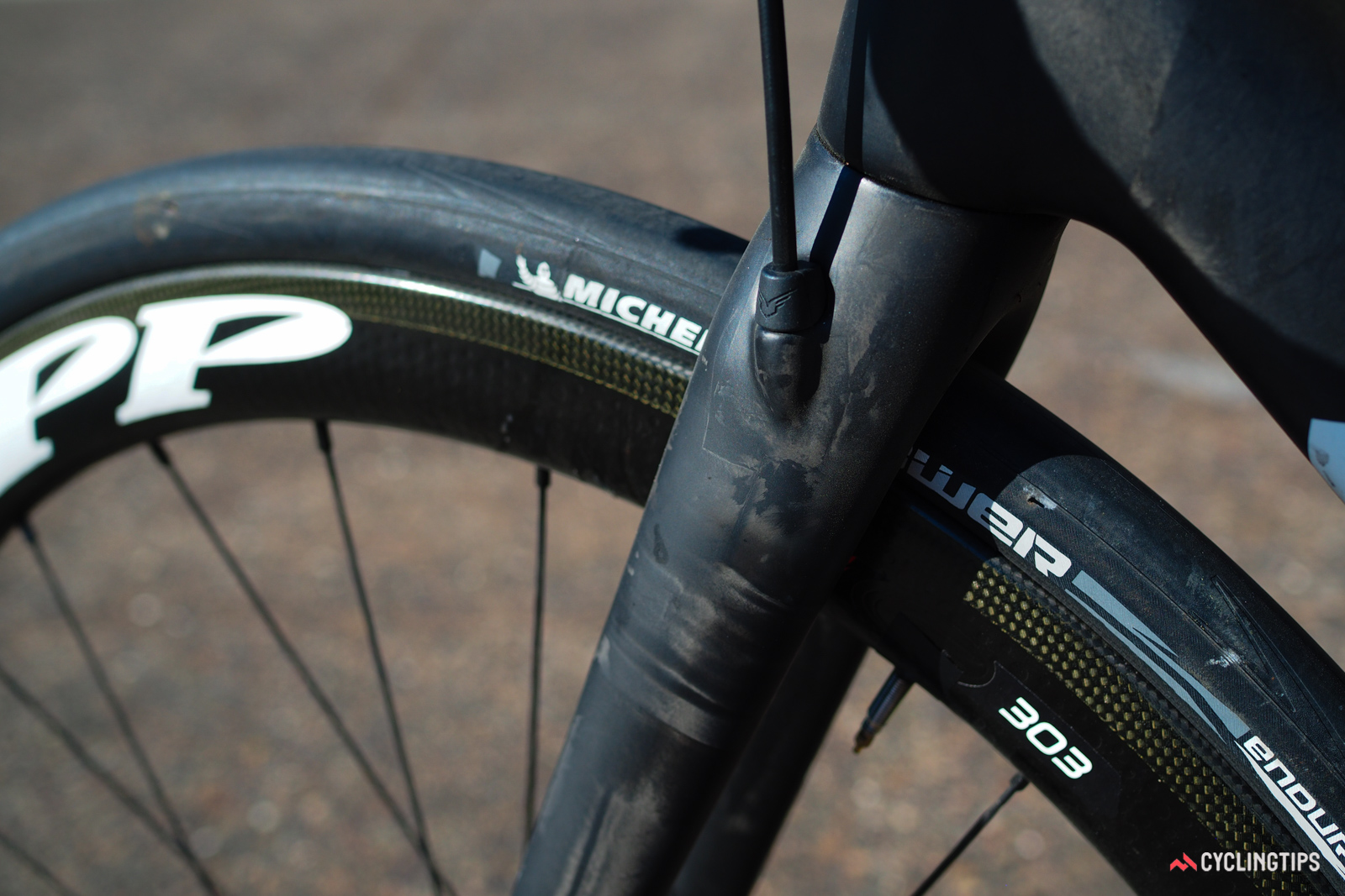 Tidy internal hose routing is featured on disc-equipped FR models. Note the lack of frame rub.
