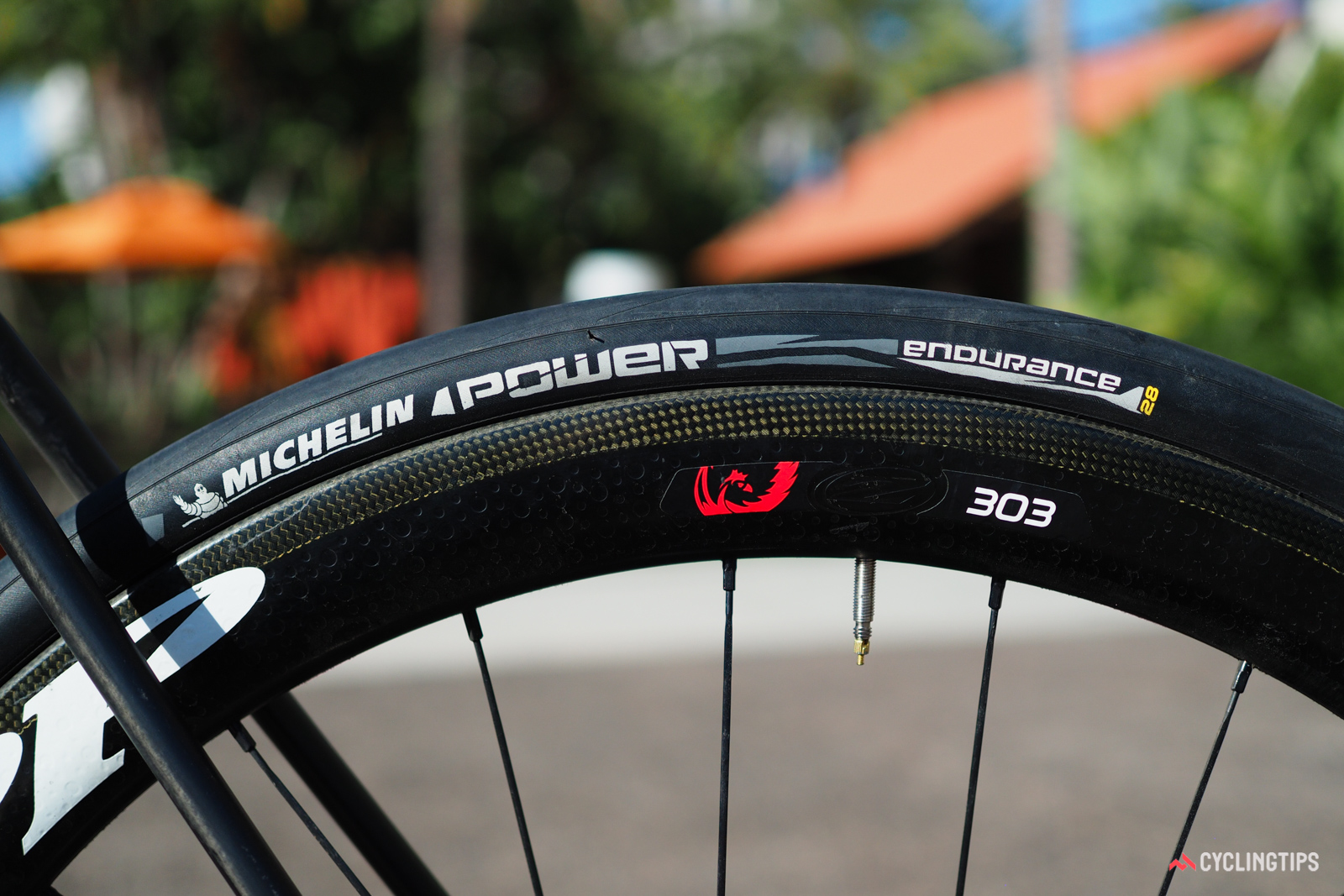 Official maximum tire size on the new Felt FR is 28mm based on ISO guidelines, although bigger ones will fit depending on your risk tolerance.