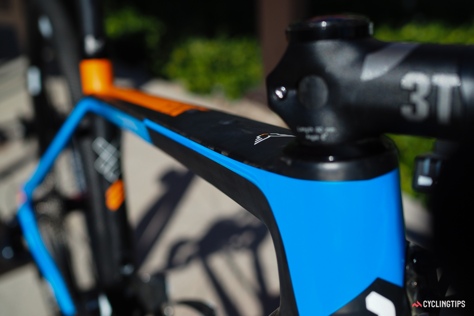 Felt says the top tube shape was specifically chosen to promote frame flex in the vertical plane to help take the sting out of bumps.