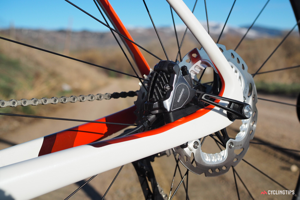 Disc-equipped Domane SLR frames feature flat-mount callipers at both ends, plus 12mm thru-axles front and rear.