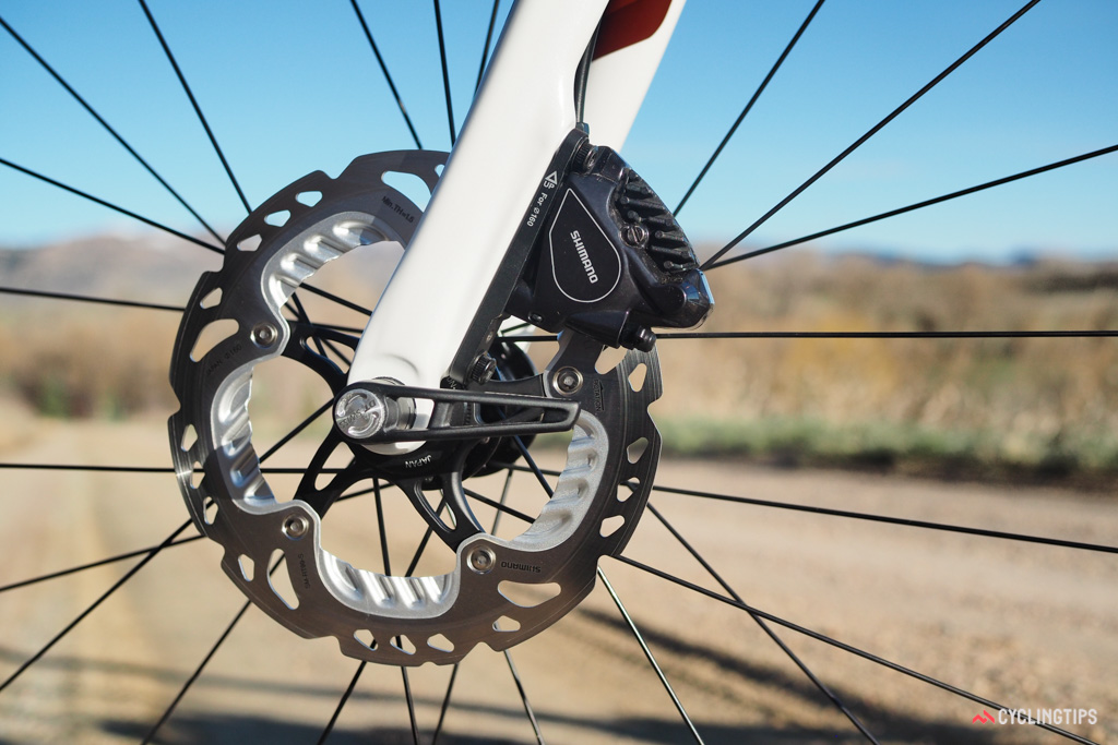 Trek has gone the conservative route with 160mm-diameter rotors front and rear. Between the three-layer disc design and the finned pads, there should be plenty of heat capacity to go around.