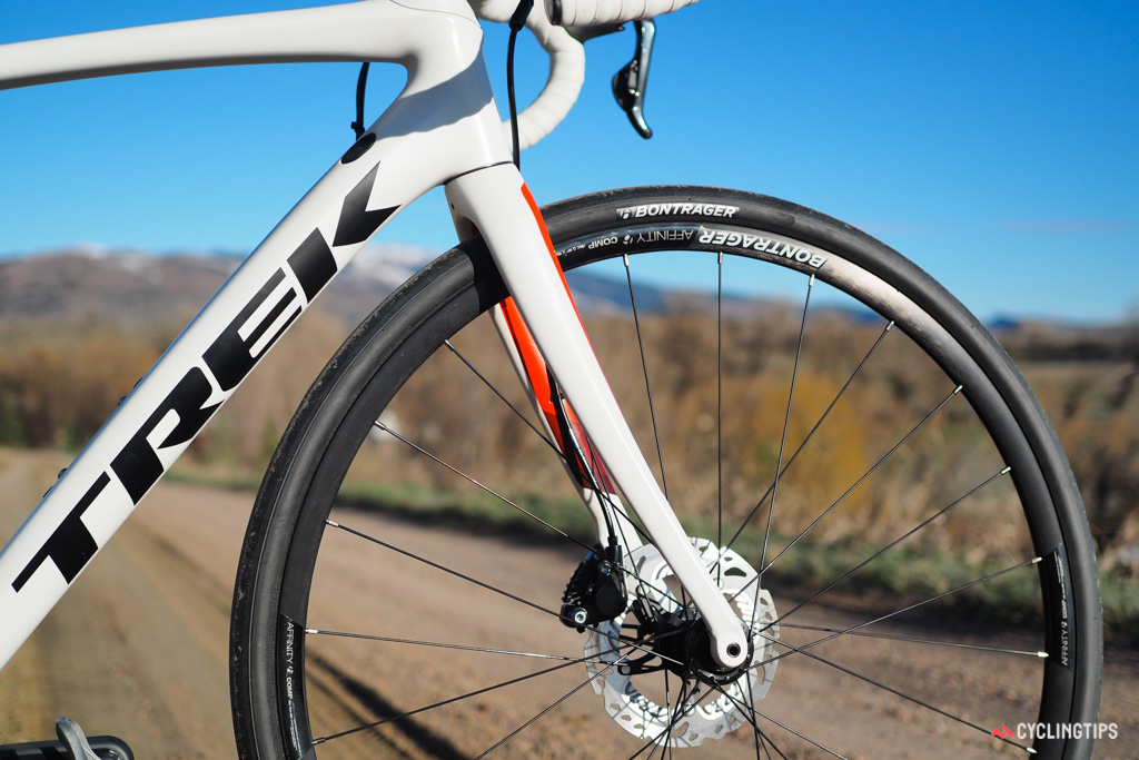 Carrying over from the current Domane is the fork shape, which uses an exaggerated rake that supposedly flexes more on bumps than a more conventionally curved blade. The dropouts reach back to maintain a standard geometry.