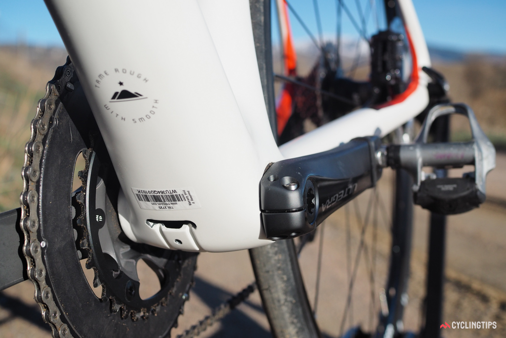 As has become standard on Trek high-end road frames, the bottom bracket bearings press directly into the carbon fibre shell with no additional cups required. The down tube and seat tube make full use of that extra real estate, too, measuring 90mm across at their widest points.