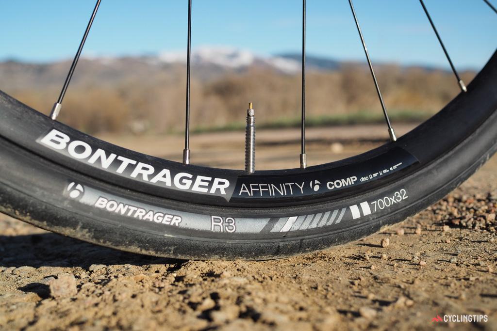 Tyre clearance on the new Domane SLR has grown dramatically over the current Domane. Rim brake versions can now handle 28mm-wide tyres (up from 25mm) while disc-equipped bikes can go all the way up to 32mm.