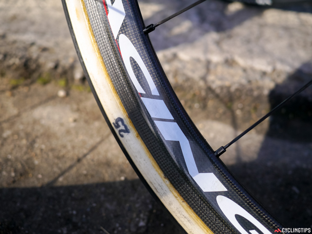The Lampre-Merida bikes had an odd set up, with the widest tubulars spotted being only 25mm.
