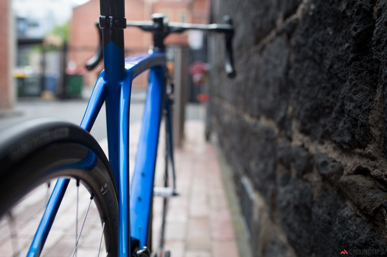 The rear triangle has an elegant aesthetic with the rear brake positioned under the chain stays.