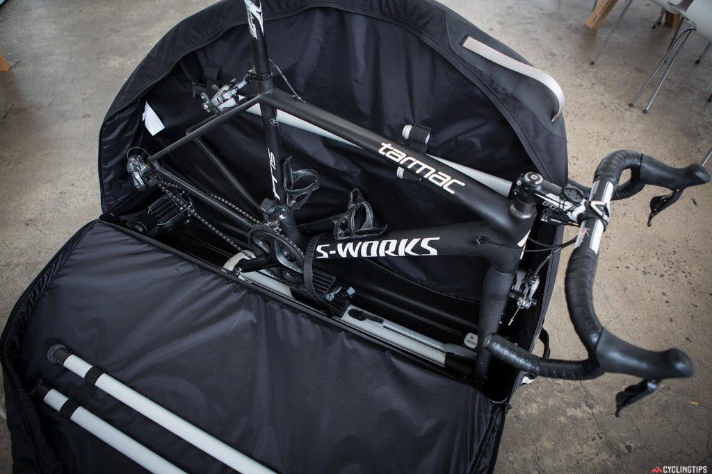 The bike fastens onto the railing by using the quick-release mechanism which can be adapted to fit road, cyclocross and mountain bikes up to 116.8cm wheelbase. Thru axle adapters for 15mm and 20mm axles included.