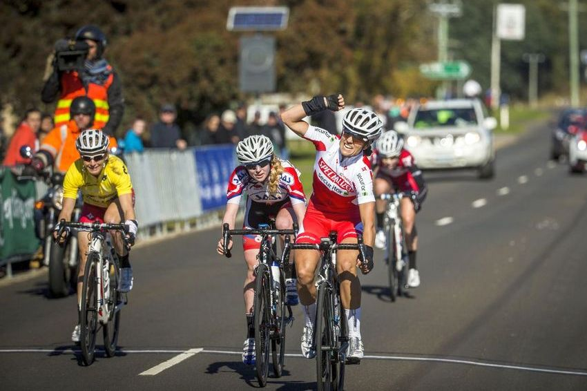 Lizzie Williams wins stage 3 of the Mersey Valley Tour. (Image: Tim Bardsley-Smith/Cycling Australia)