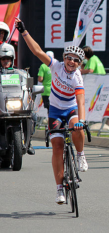 Sharon Laws winning the 2003 Moment 94.7 race.