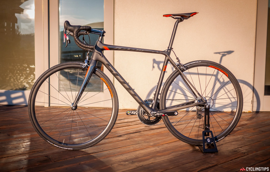 The Addict SL is Scott's lightest production bike and weighs in at 5.86kg.