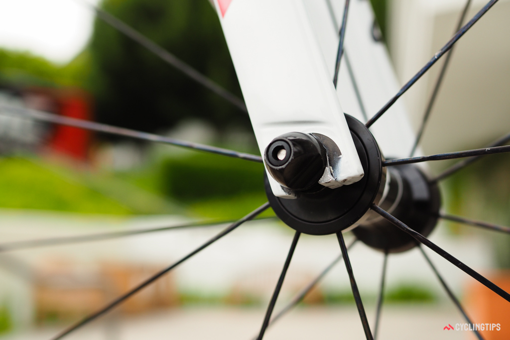 Canyon equips the Aeroad CF SLX fork with adjustable-offset tips. Kristoff is running the shorter-rake position.