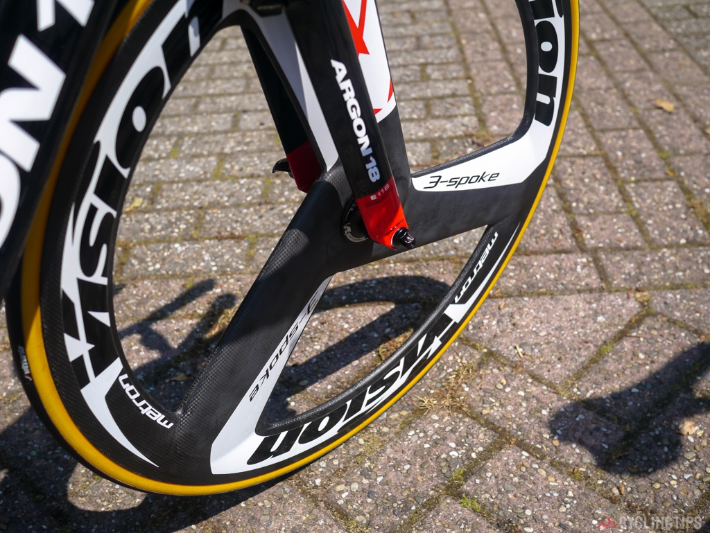 The Vision 3-Spoke wheel is tubular. Vision is part of the FSA company. Shod with Vittoria tubulars.