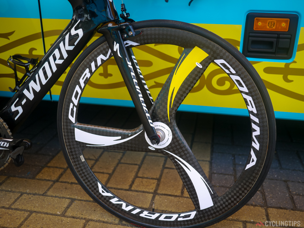 Astana hae the Corema 3 spoke HM wheel as there time trial choice. The tubular is the much used Specialized Turbo.