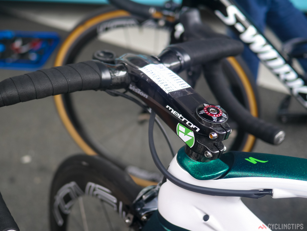 Cavendish wa using a Vison Metron stem, also seen using this stem was rival sprinter Bouhanni of Cofidis.