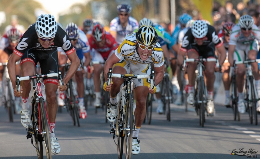 Mark Cavendish gets the better of Heinrich Haussler in the 2009 edition of Milan-San Remo.