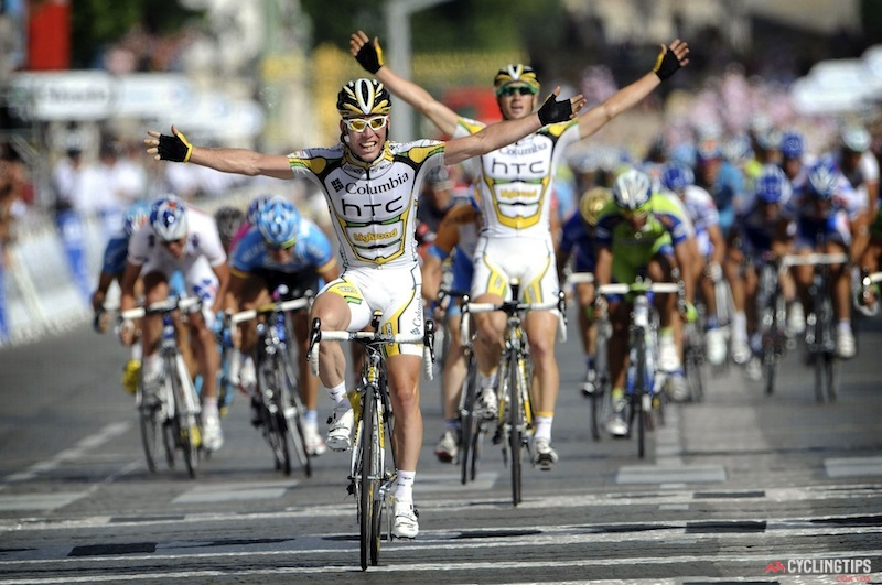 Cavendish and Renshaw go 1-2 on the final stage of the 2009 Tour de France.