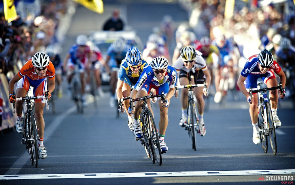Giorgia Bronzini won the 2010 Road Worlds in Geelong. She'll be hard to beat there this weekend as well.