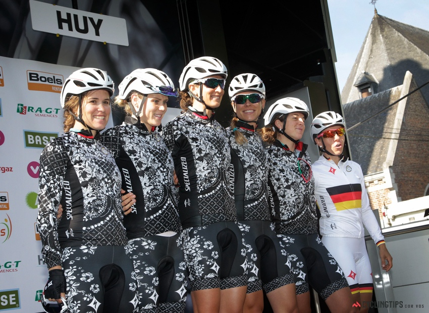 Team Specialized-Lululemon, with Tiff second from the left.