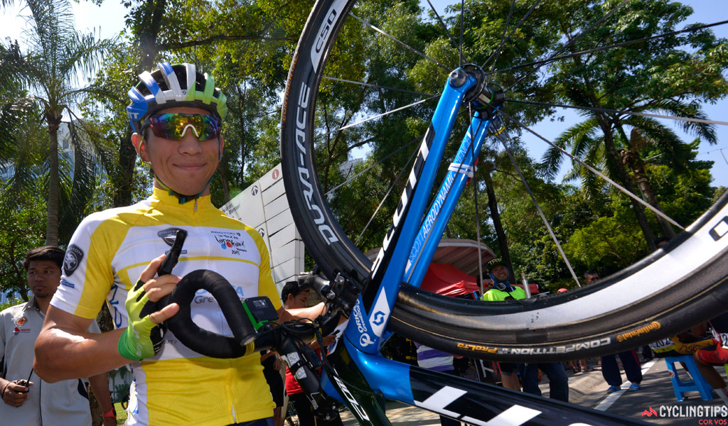 Caleb Ewan in the yellow jersey of race leader in the 2015 Le Tour de Langkawi