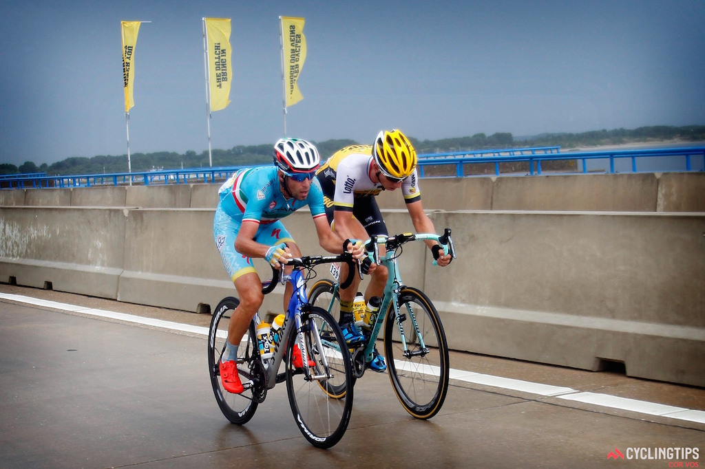Nibali Vincenzo (Team Astana) - Vanmarcke Sep (Team LottoNL - Jumbo)  chasing to get back on in the crosswinds during stage 2.