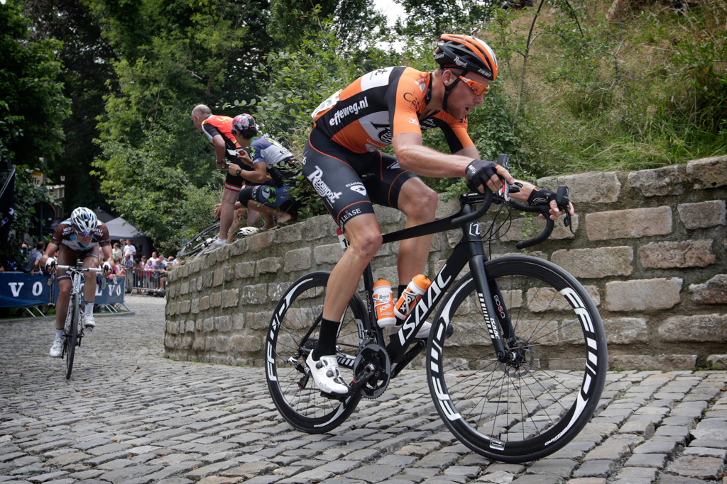 2016 will see the continuation of the trial of disc brakes in pro road races.