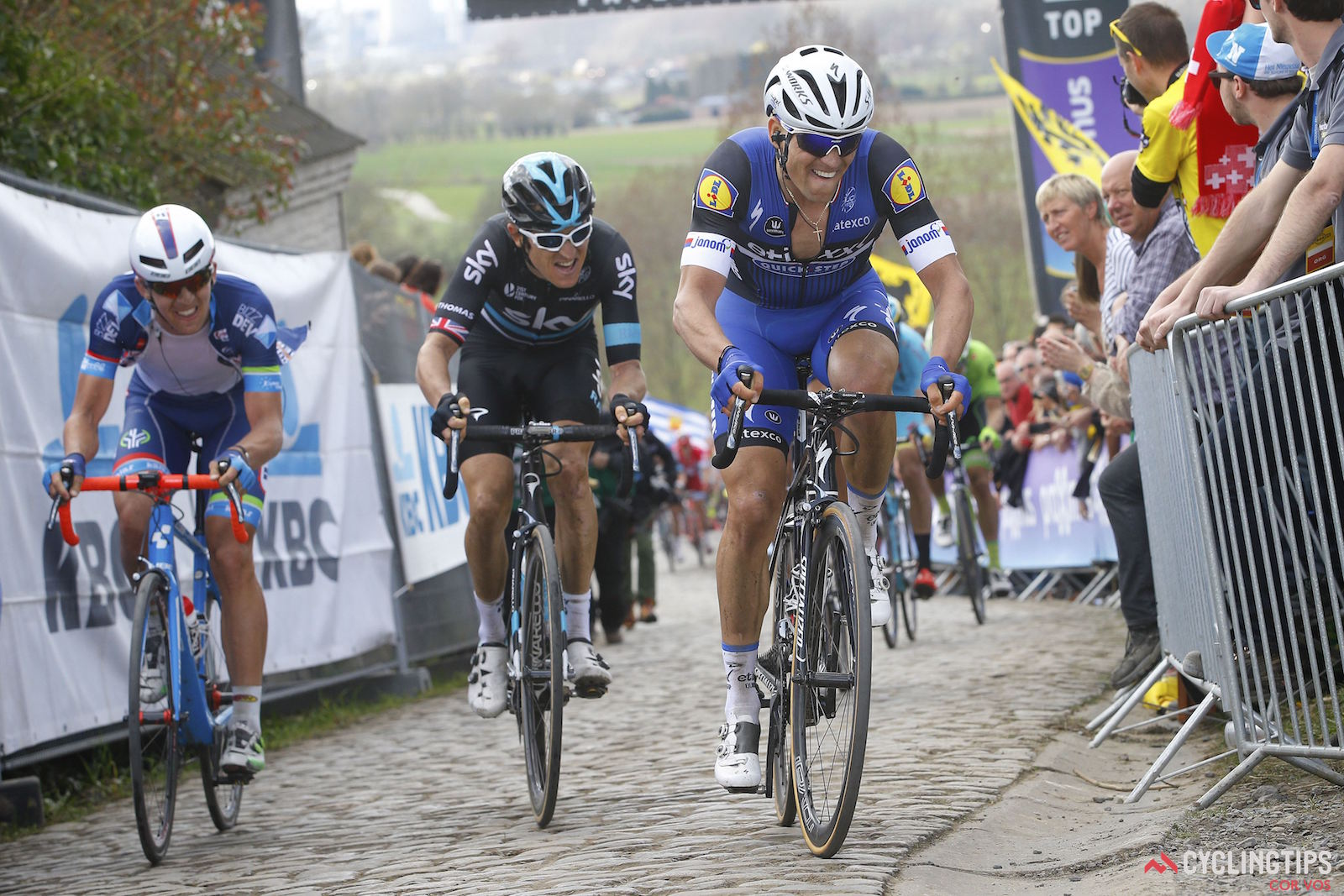Zdenek Stybar (Etixx-QuickStep) and Geraint Thomas (Team Sky), during the 100th edition of the Tour of Flanders. Photo LB/RB//Cor Vos.