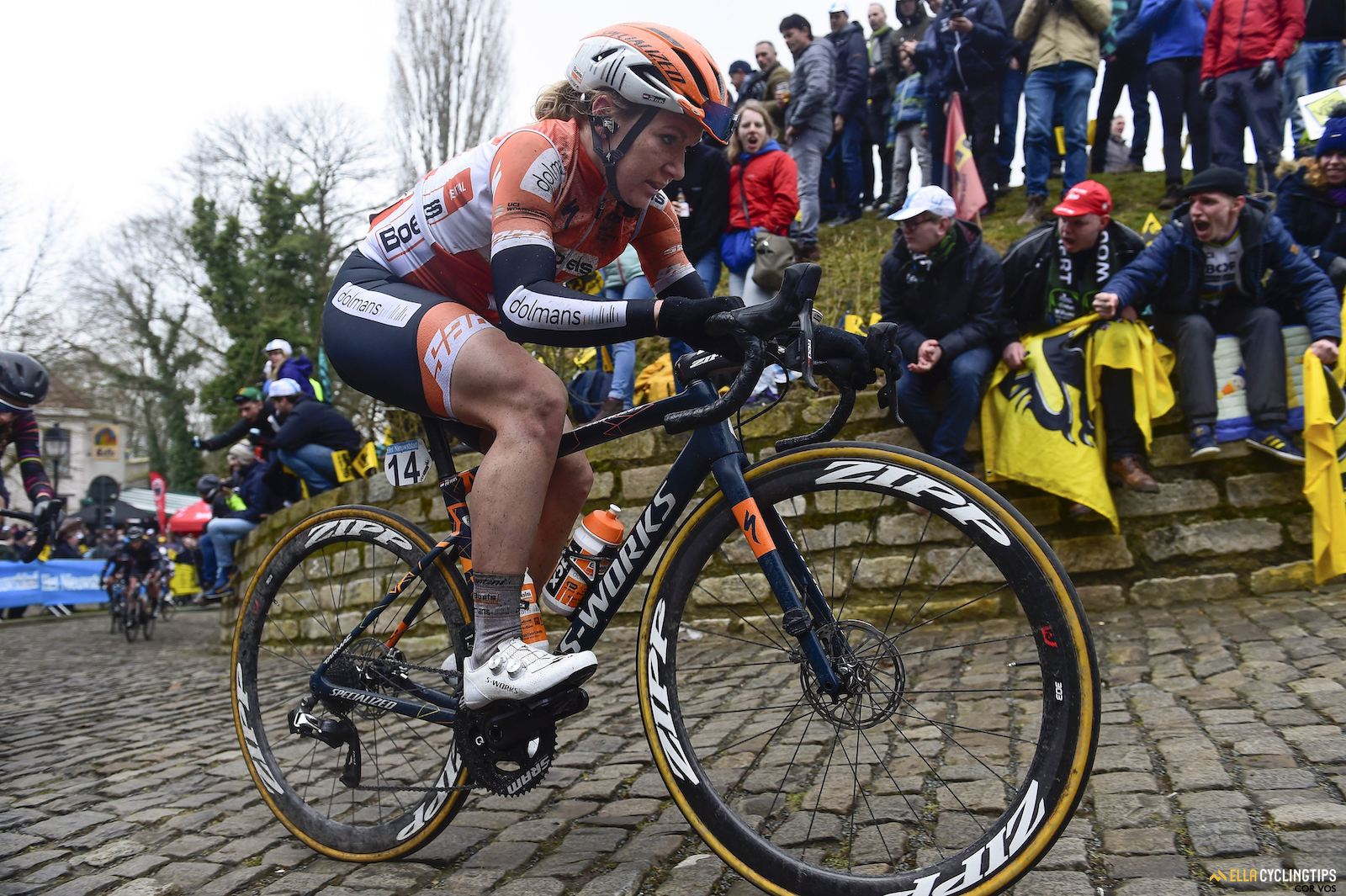 Amy Pieters conquers the Muur.