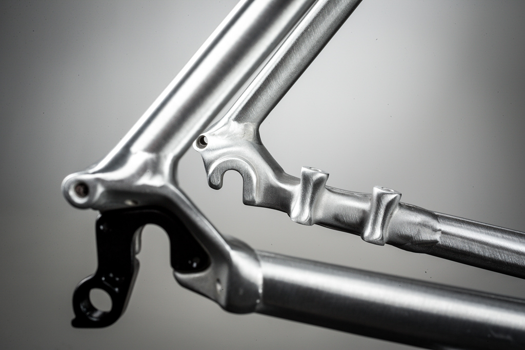 The new Cannondale CAADX uses flat-mount disc tabs like the SuperX but whereas the carbon bike goes with thru-axles front and rear, the CAADX sticks with open dropouts. Photo: Cannondale.