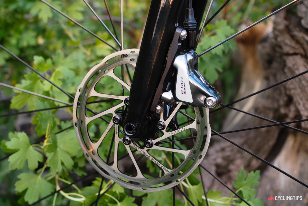 Cannondale specs 140mm-diameter rotors front and rear.