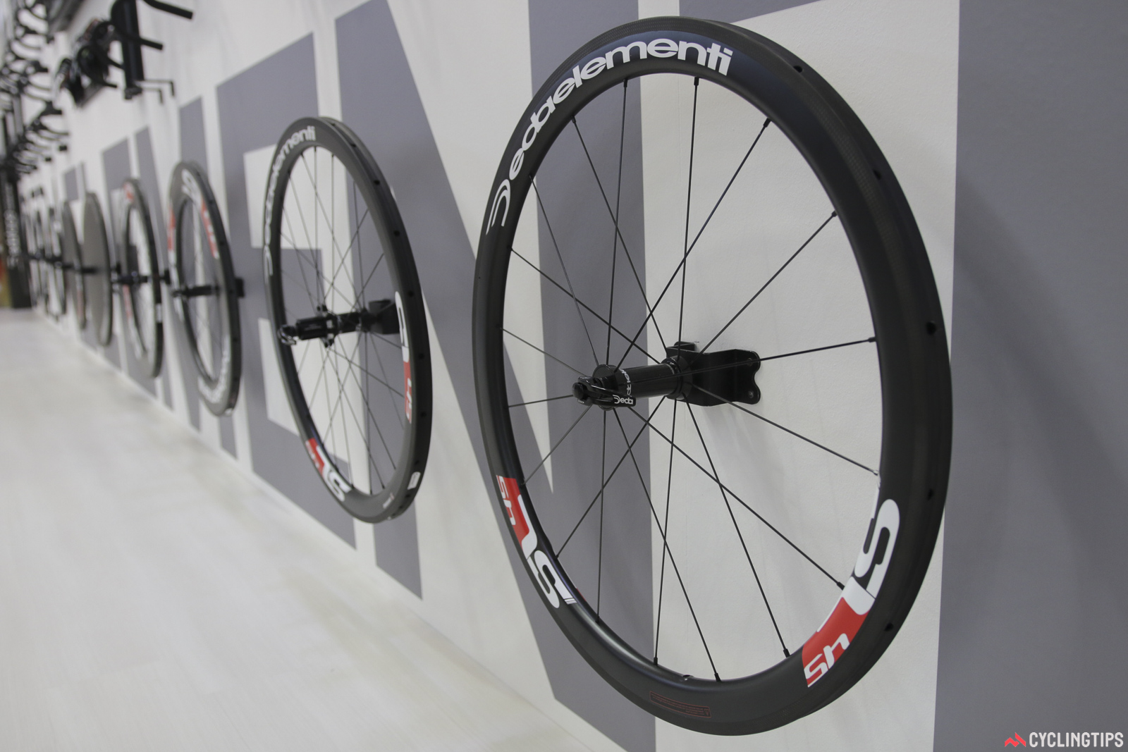 Deda's wheel range continues to grow. The carbon clincher options are still in testing, but tubular options in 30, 45 and 88mm depths are available. The shallowest version is quoted at 1290g, with the middle 45mm version at a claimed 1390g. Rims are 25mm wide (external), and the straight-pull hubs hide Enduro ceramic bearings. Photo: David Rome.