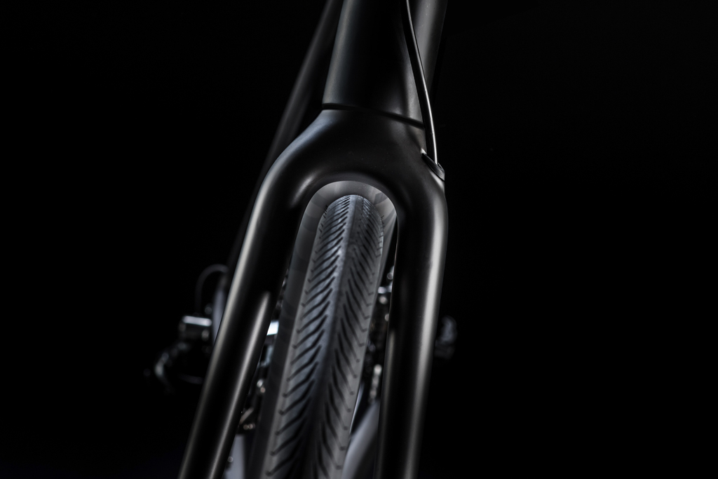 Canyon ships every Endurace CF SLX bike with 28mm-wide tires but the frame and fork has sufficient clearance for 33mm road rubber. Photo: Canyon Bicycles.