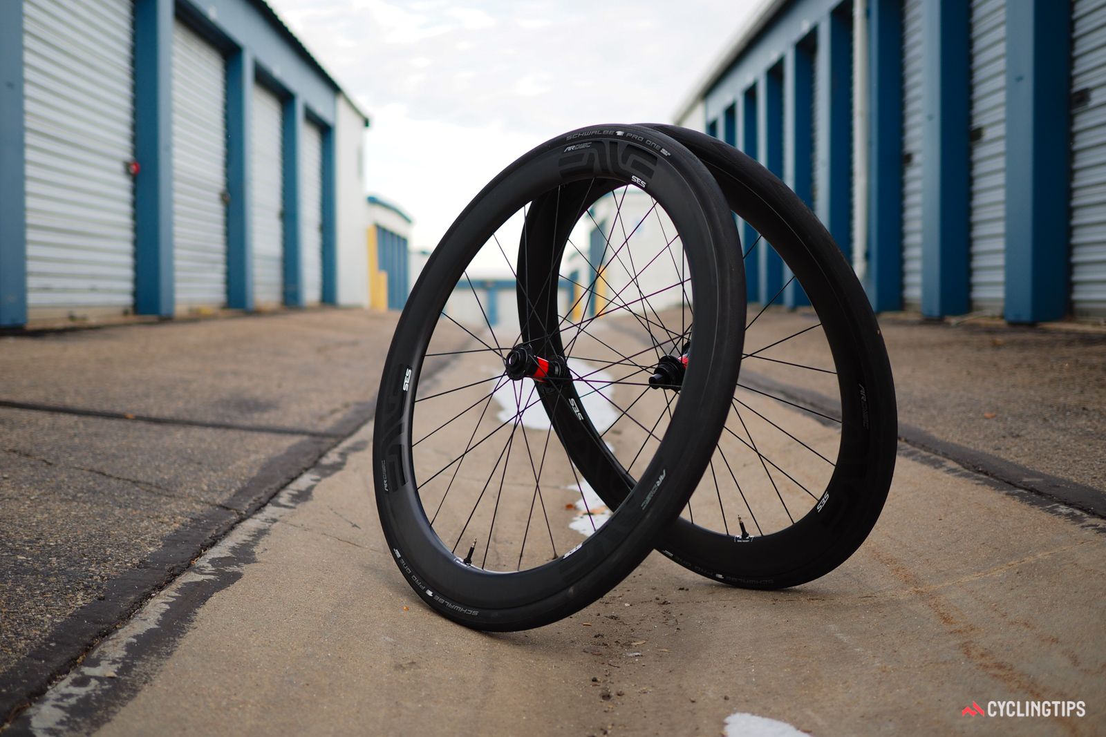 Enve's new SES 4.5 AR Disc has changed the game in terms of wide-profile aero road wheels.