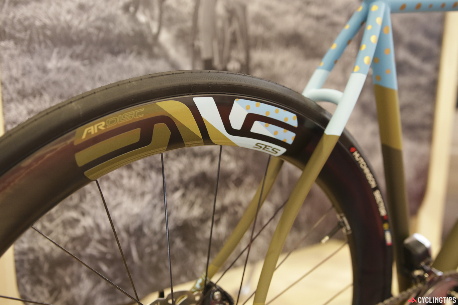 Enve has a new wheel for the modern disc brake road bike. The SES 4.5 AR Disc is designed to be aerodynamically optimised with 28c tyres. The rims are truly disc-specific and are said to be about 50g a piece lighter than an equivalent rim brake model. Tubeless ready, these rims will be equally at home on high performance gravel bikes, although the key focus is wide-rolling road. Wheelsets using Chris King hubs are said to weight around the 1,550 mark. Seems the age of compromise-free disc setups is upon us.  Photo: David Rome.