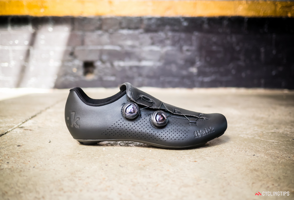 The overall look and feel of the fi'zi:k R1B shoes is unquestionably Italian - but whether that's a good thing will depend on your feet.