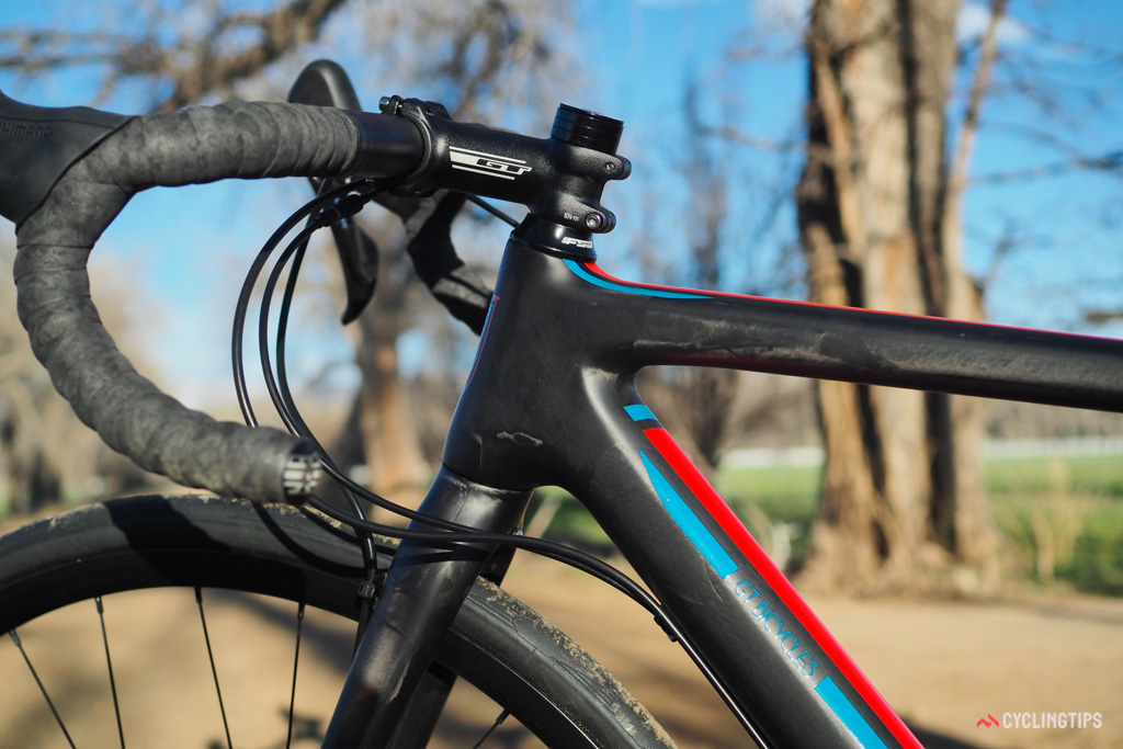 As is typical for the category, the head tube on the GT Grade Carbon Ultegra is rather long for a given size. Prospective buyers are strongly advised to choose their frame size based on stack and reach measurements, not the traditional metrics.