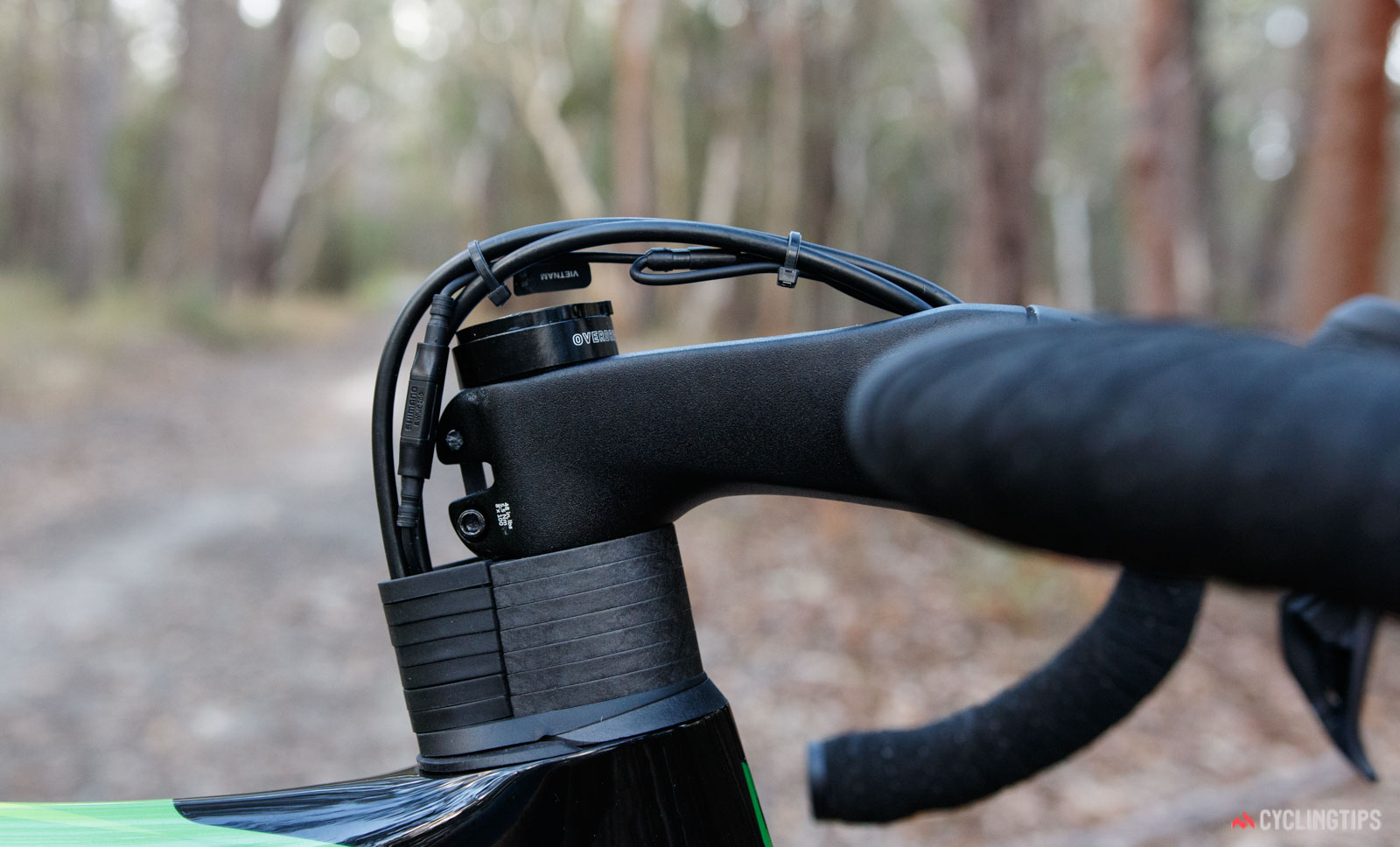 2018 Giant Propel Advanced Pro Disc front cable routing revealed