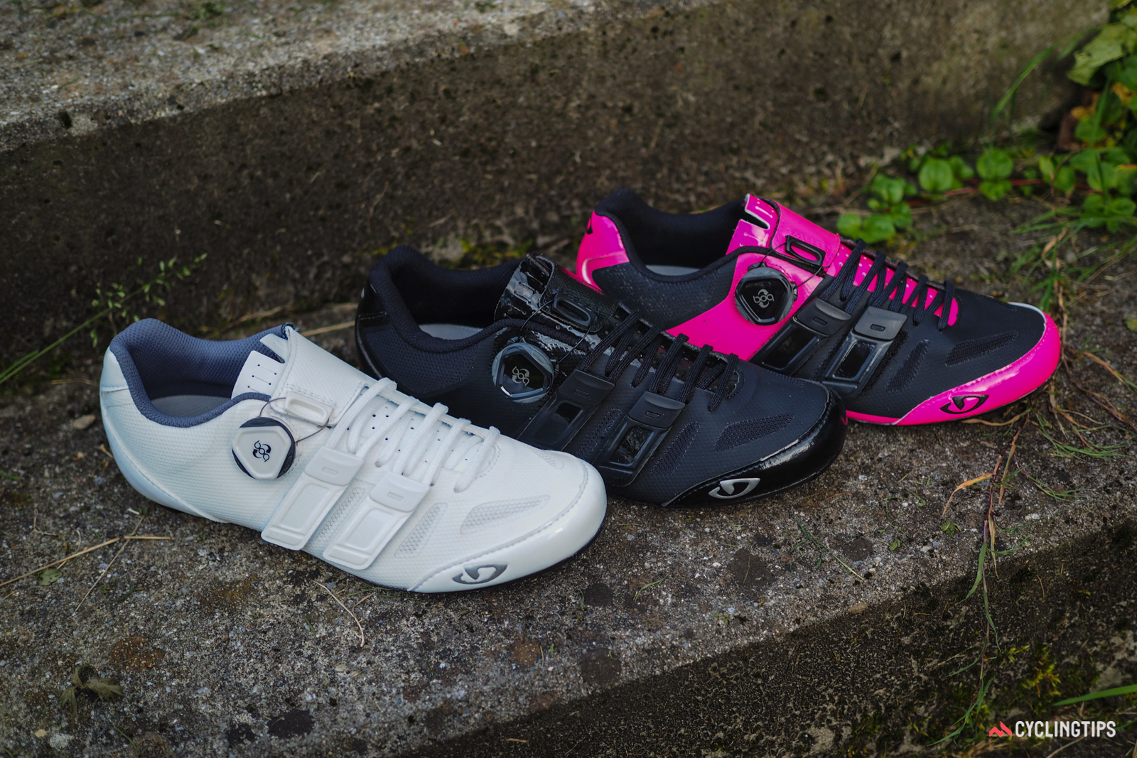 Like the Giro Factress Techlace model, the Raes Techlace shoe is built around a women-specific last. Three colors will be available. Retail price will be US$250 / €250 when they begin arriving in shops in October. UK and AU pricing is TBC.